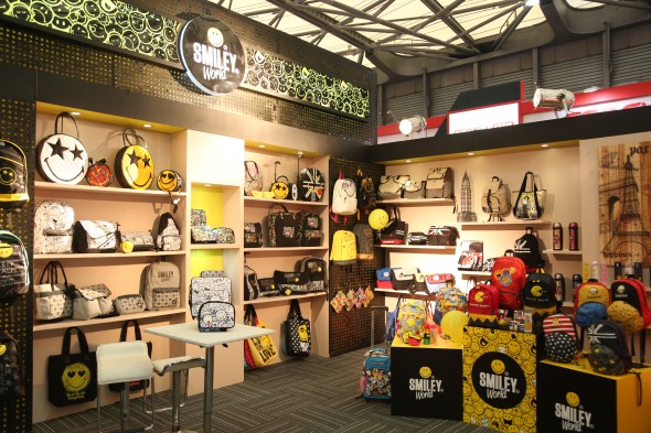 smileyworld bag collection